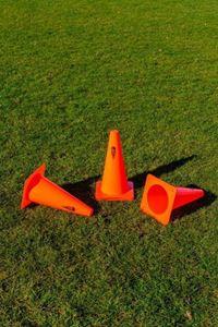 Picture of Lot de 4 pièces Cônes en PVC Orange 23cm